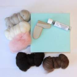 Sue Pearl's Mouse Fibre and Equipment Pack